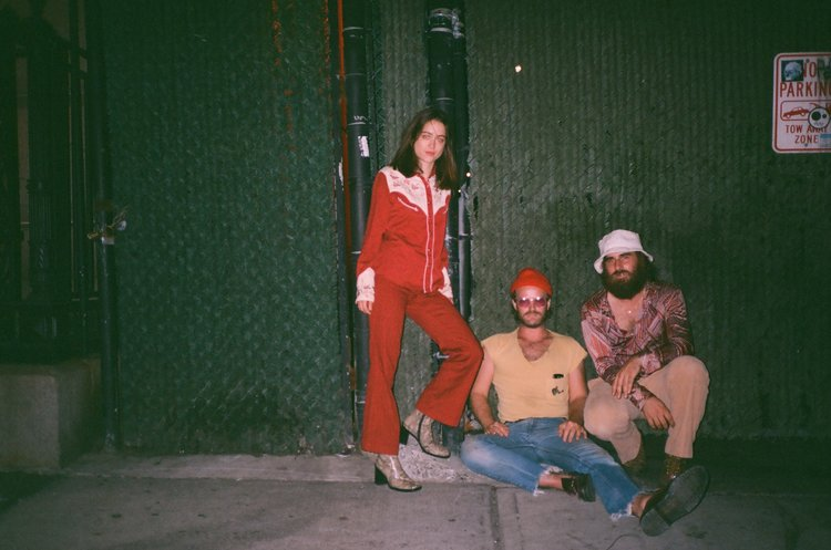 "Album Premiere: Champagne Superchillin' ""Destino!"""